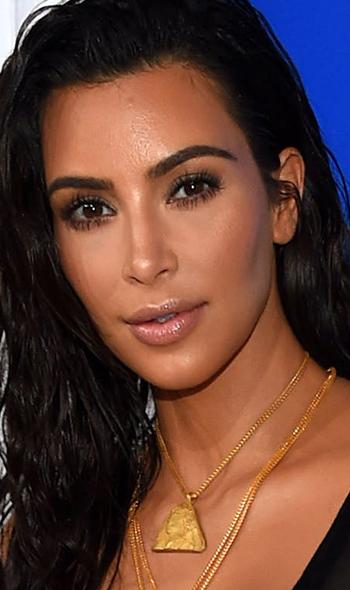 Kim Kardashian'dan Selülit Açıklaması - 1