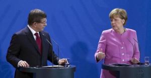 Davutoğlu'ndan Merkel'e Net Mesaj