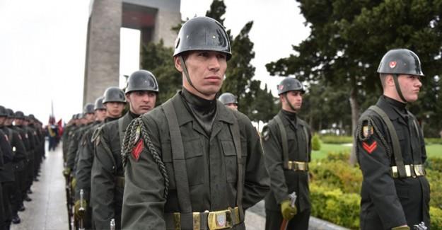 Çanakkale Kara Savaşları'nın 104'üncü Yılı İçin Anma Töreni Yapıldı