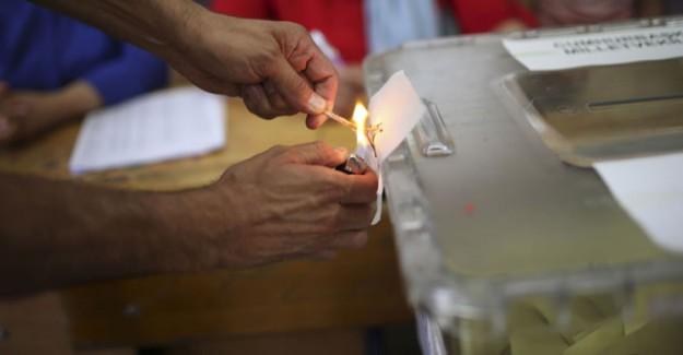 Fırsatçılar 40 Liraya Kurdukları Siteleri Partilere 8 Milyon Liraya Kadar Satmaya Çalışıyor