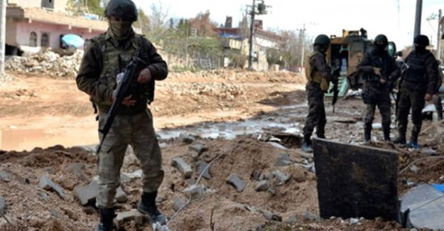 PKK'lı Teröristler Dozer Operatörünü Şehit Etti