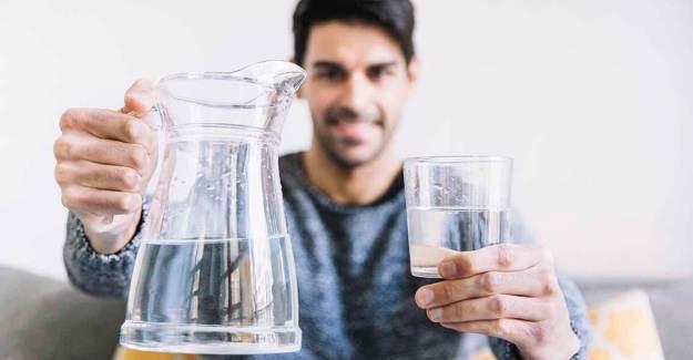 Yetersiz Su Tüketimine Karşı Vücudumuzun Bu Sinyalleri Veriyor